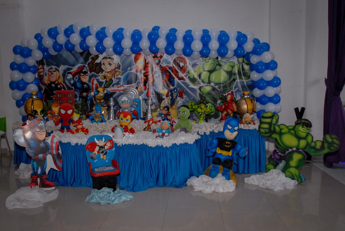 mesa temática no Buffet Galeria da Arte, Vila Maria, São Paulo, aniversário de Lorenzo 4 e Lucca 1 aninho tema da festa super herois