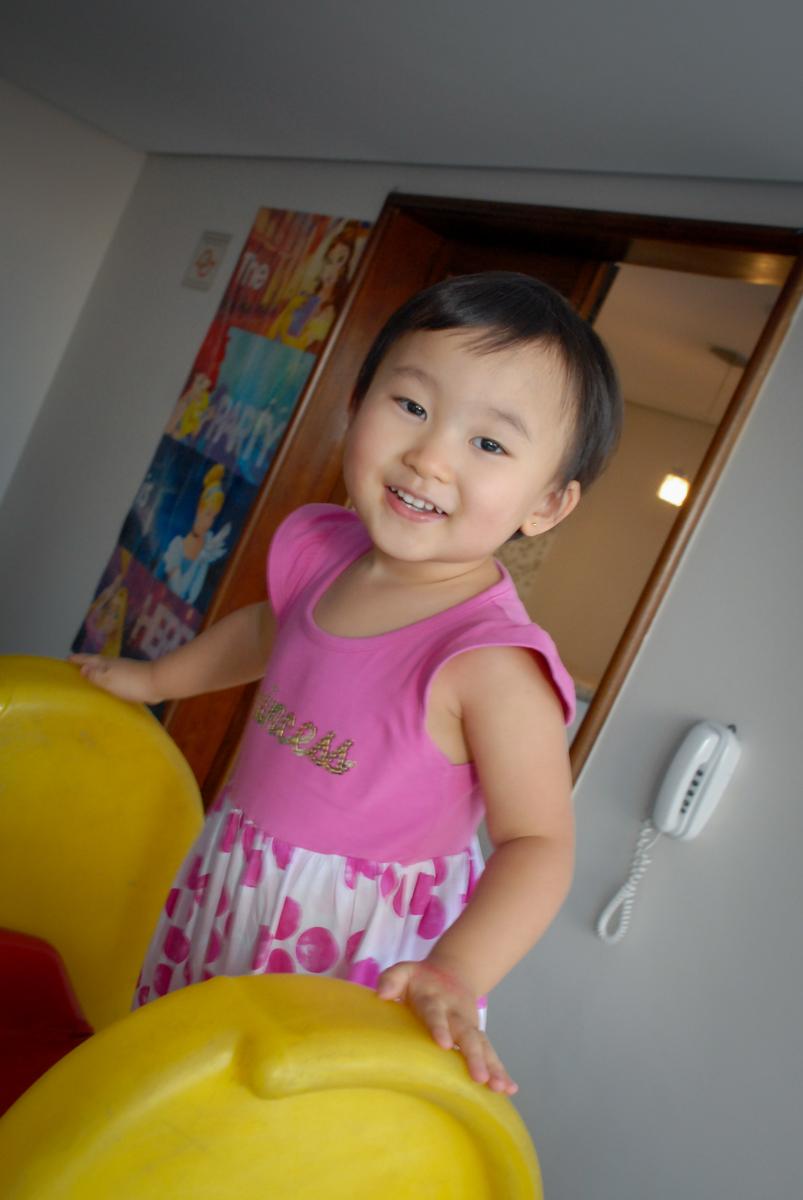 sorriso de felicidades no condominio vila mariana aniversario de nicole 3 aninhos tema da festa princesas