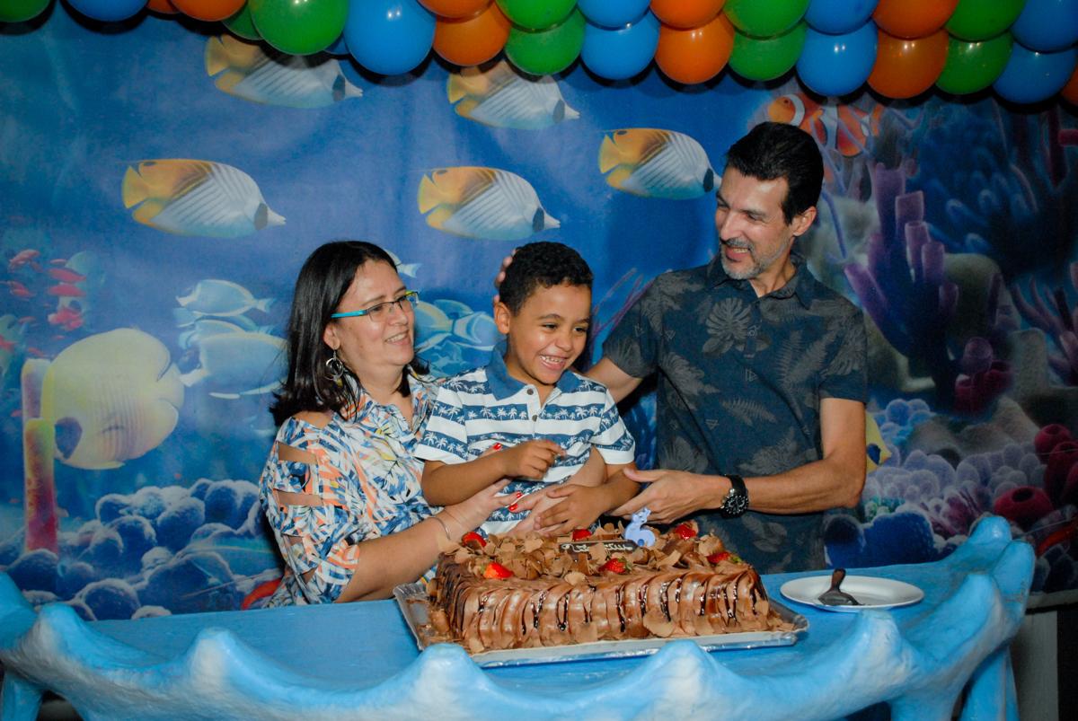 parabéns animado no Buffet Fábrica da Alegria, Osasco, São Paulo, aniversário de Vinicius 6 anos, tema da festa Fundo do Mar