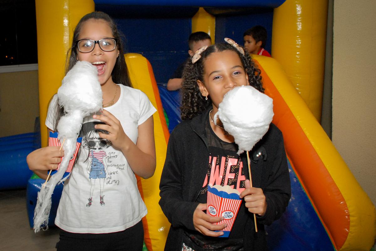 delicia de algodão doce no condominio vila prudente, aniversario de rafael 4 anos, tema da festa discvery kids