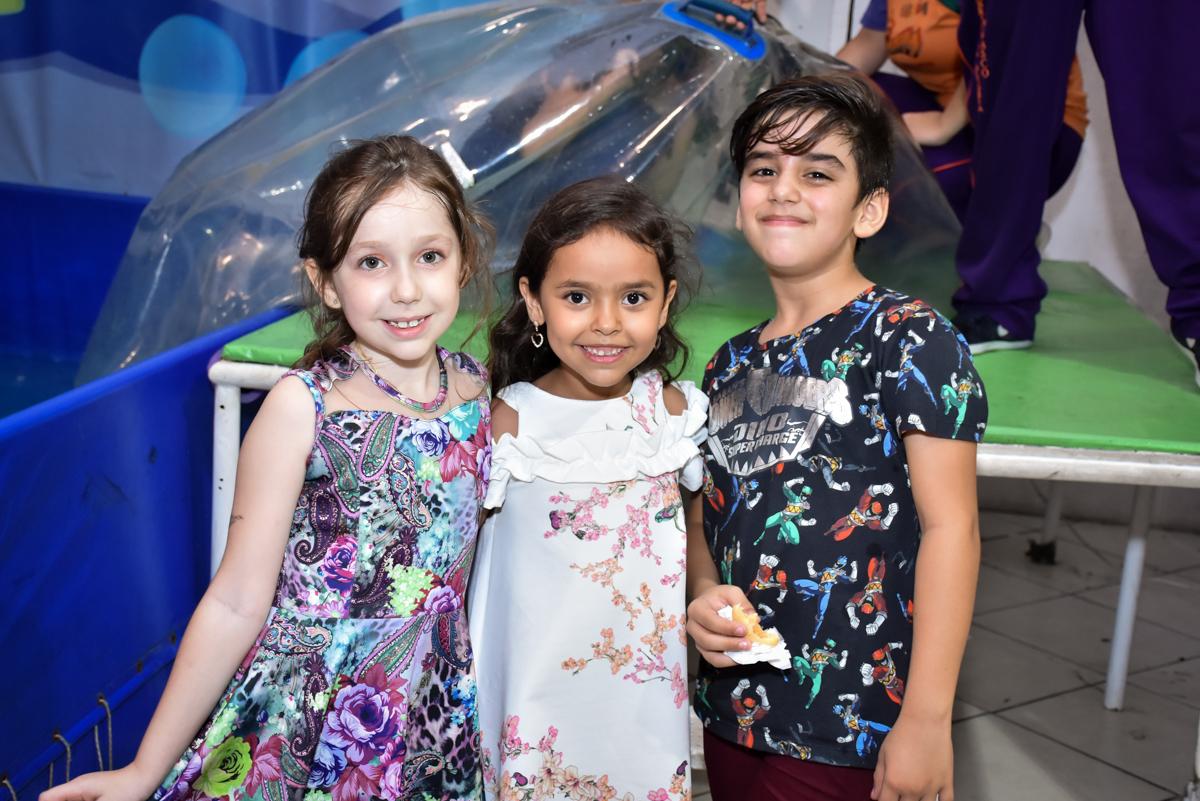 fotografia com os amigos no Buffet Fábrica da Alegria, Osasco, São Paulo, tema da festa, meu malvado favorito