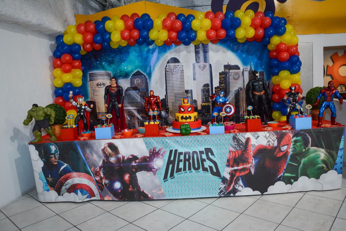 Buffet Fábrica da Alegria Osasco, São Paulo, aniversário de enrico 14 e Ryan 7 anos, tema da festa Super Heróis
