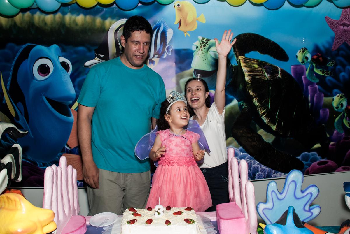 cantando parabéns no Buffet Magic Joy, saude, são Paulo, aniversário de Catarina 3 anos, tema da festa fundo do mar