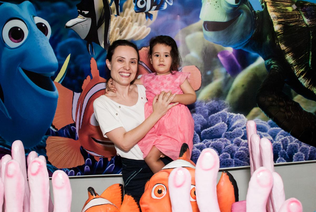 foto mãe e filha no Buffet Magic Joy, saude, são Paulo, aniversário de Catarina 3 anos, tema da festa fundo do mar