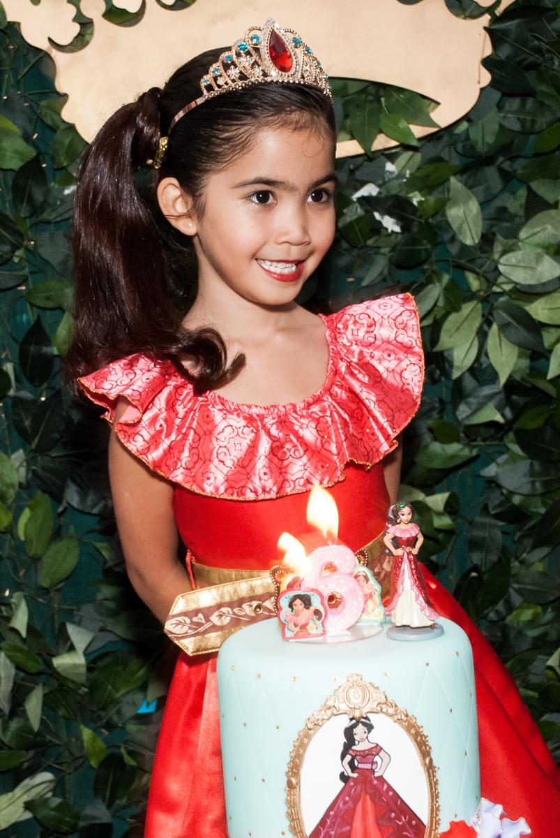 alegrias no parabéns no Buffet Fábrica da Alegria, Morumbi, São Paulo, aniversário de Isabela 6 anos, tema da festa Elena de Avalor