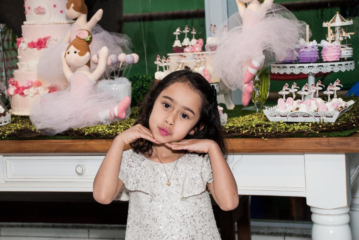 foto de princesa no Buffet Espaço Viva, Alto de Pinheiros, São Paulo, aniversário de Marina6 anos, tema da festa Bailarina