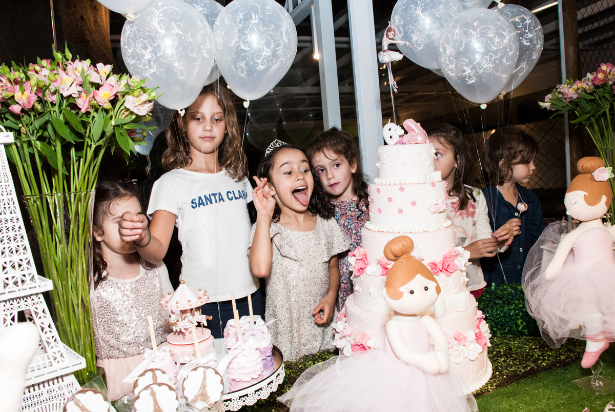 parabéns animado no Buffet Espaço Viva, Alto de Pinheiros, São Paulo, aniversário de Marina6 anos, tema da festa Bailarina