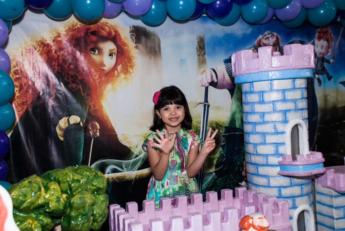 fotografia na mesa temática no Buffet Magic Joy, Saúde, São Paulo, aniversário de Beatriz e Marina, tema da festa Valente