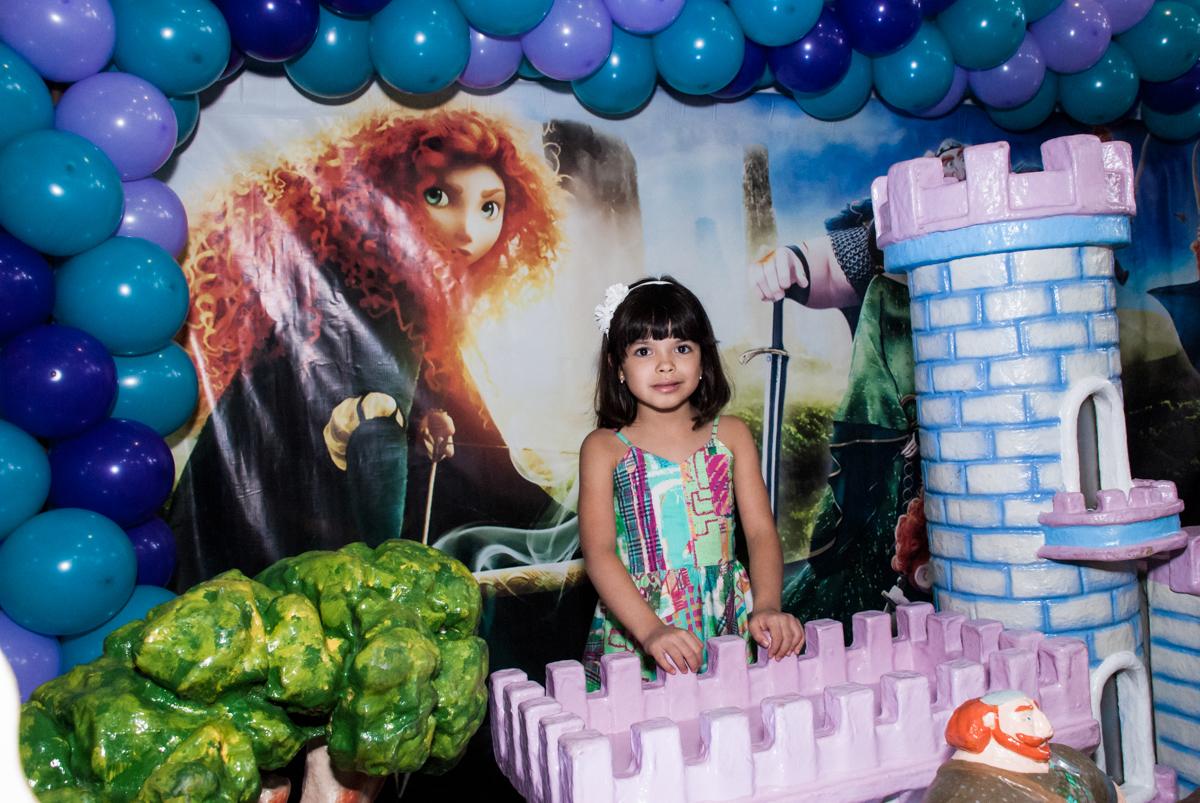 irmã gêmea também é fotografada no Buffet Magic Joy, Saúde, São Paulo, aniversário de Beatriz e Marina, tema da festa Valente