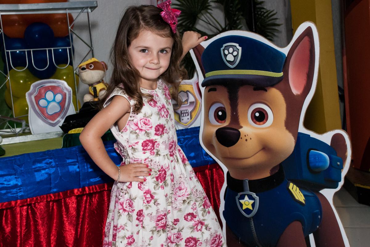 muita alegria em sua festa no Buffet Fábrica da Alegria Morumbi, São Paulo, aniversário de Isabela 4 anos, tema da festa Patrulha Canina