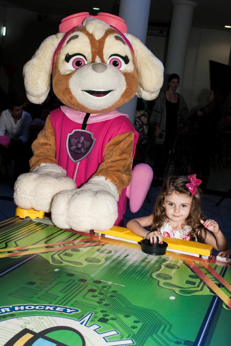 amigo querido no Buffet Fábrica da Alegria Morumbi, São Paulo, aniversário de Isabela 4 anos, tema da festa Patrulha Canina