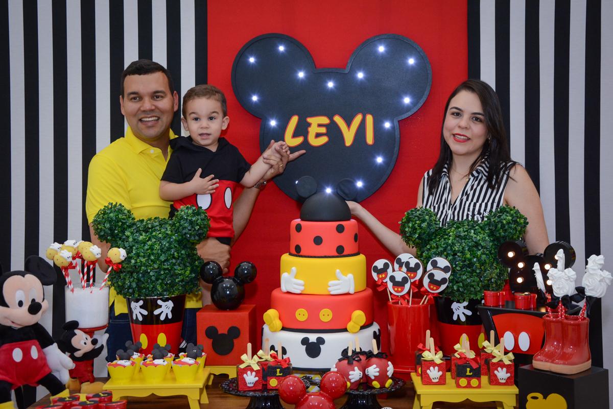 diversão na mesa temática no Buffet Espaço Play, Osasco, São Paulo, aniversário Levi 2 anos, tema da festa Mickey