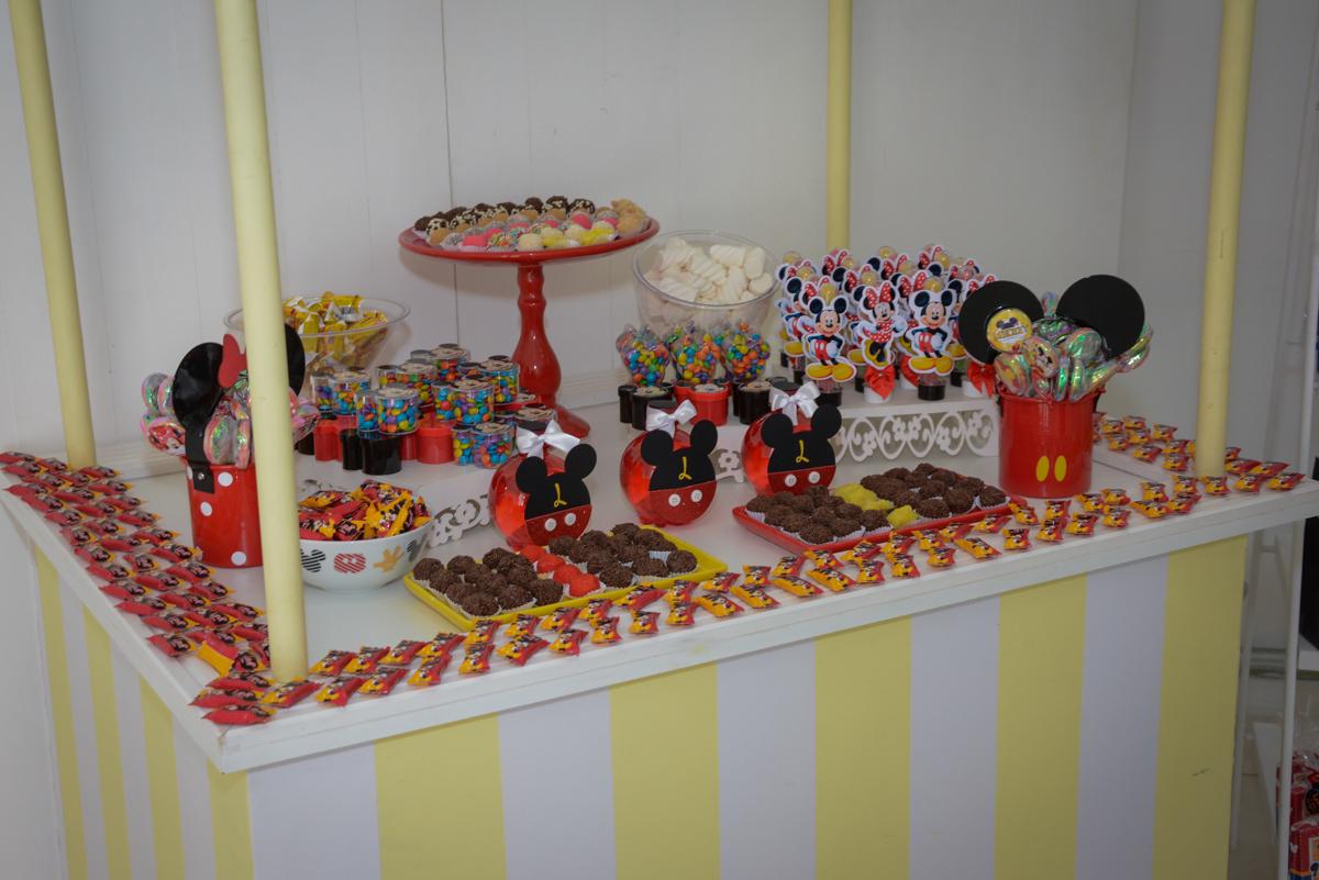 detalhes da mesa no Buffet Espaço Play, Osasco, São Paulo, aniversário Levi 2 anos, tema da festa Mickey