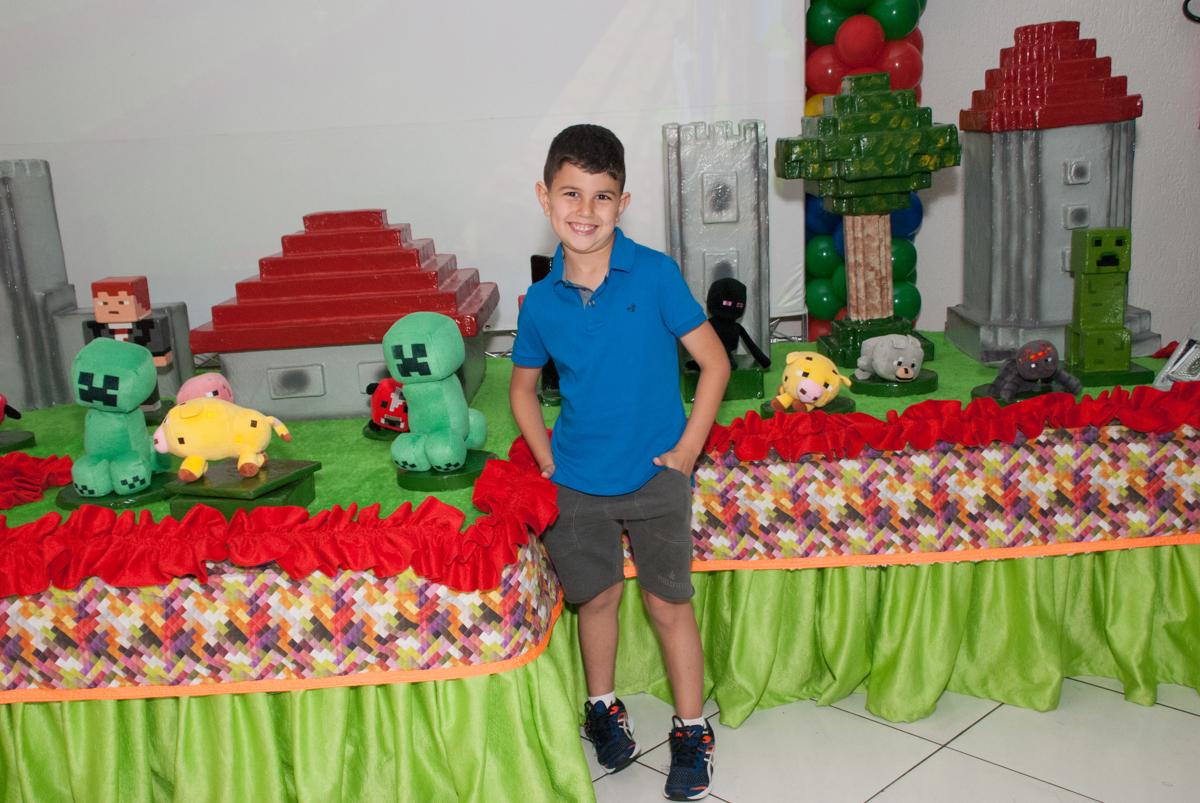 pose de galã no Buffet Fábrica da Alegria, Morumbi, São Paulo, aniversario de Pedro Henrique, 7 anos tema da festa mini craft