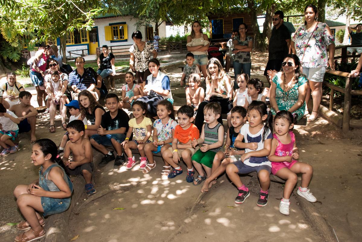 chegou a hora do show no Buffet Pet Zoo, Cotia, São Paulo, aniversário de Maria Clara 4 anos, Buffet Pet Zoo, Cotia, São Paulo, tema da festa Dora a Aventureira
