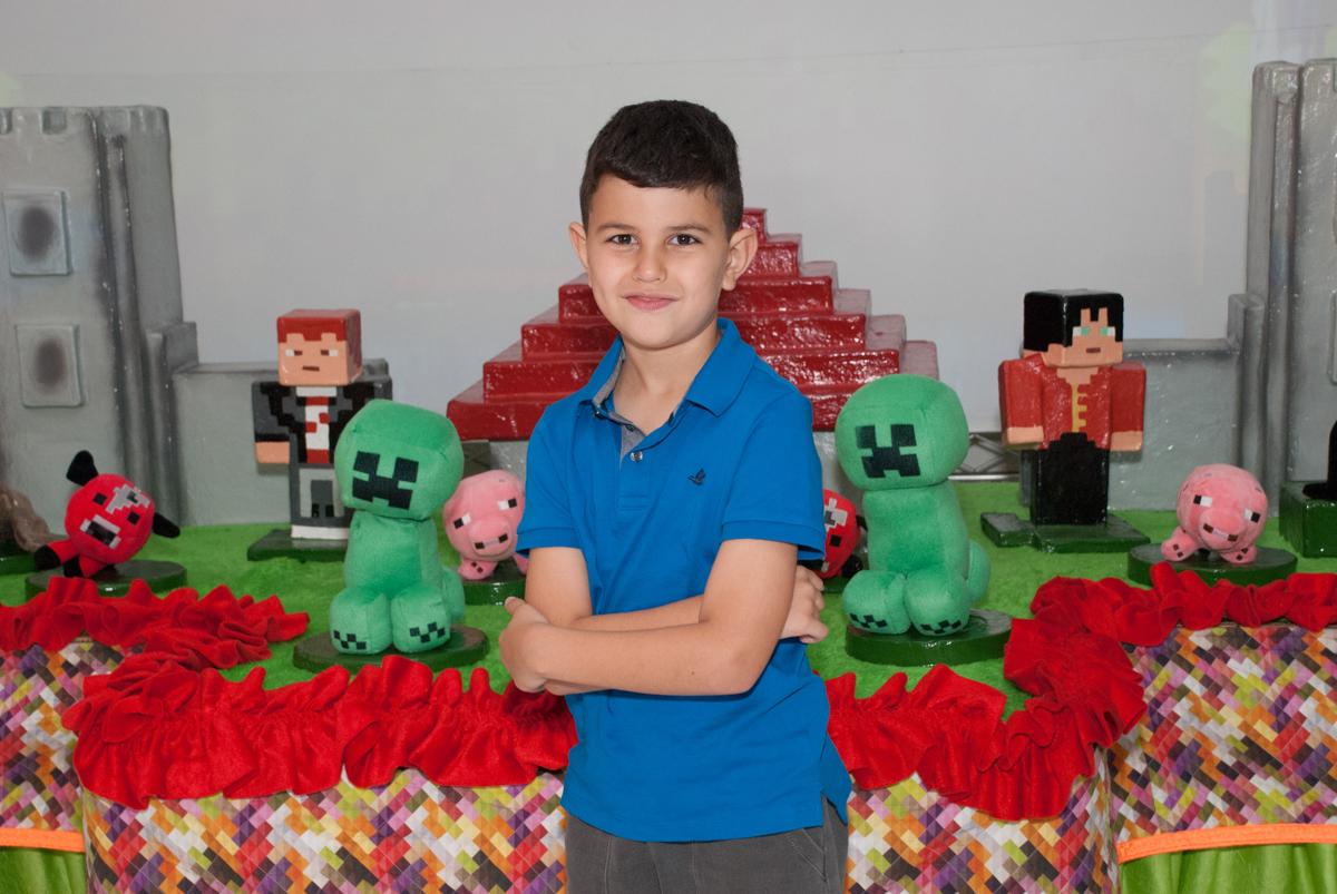 muito charme na mesa temática no Buffet Fábrica da Alegria, Morumbi, São Paulo, aniversario de Pedro Henrique 7 anos, tema da festa mini craft
