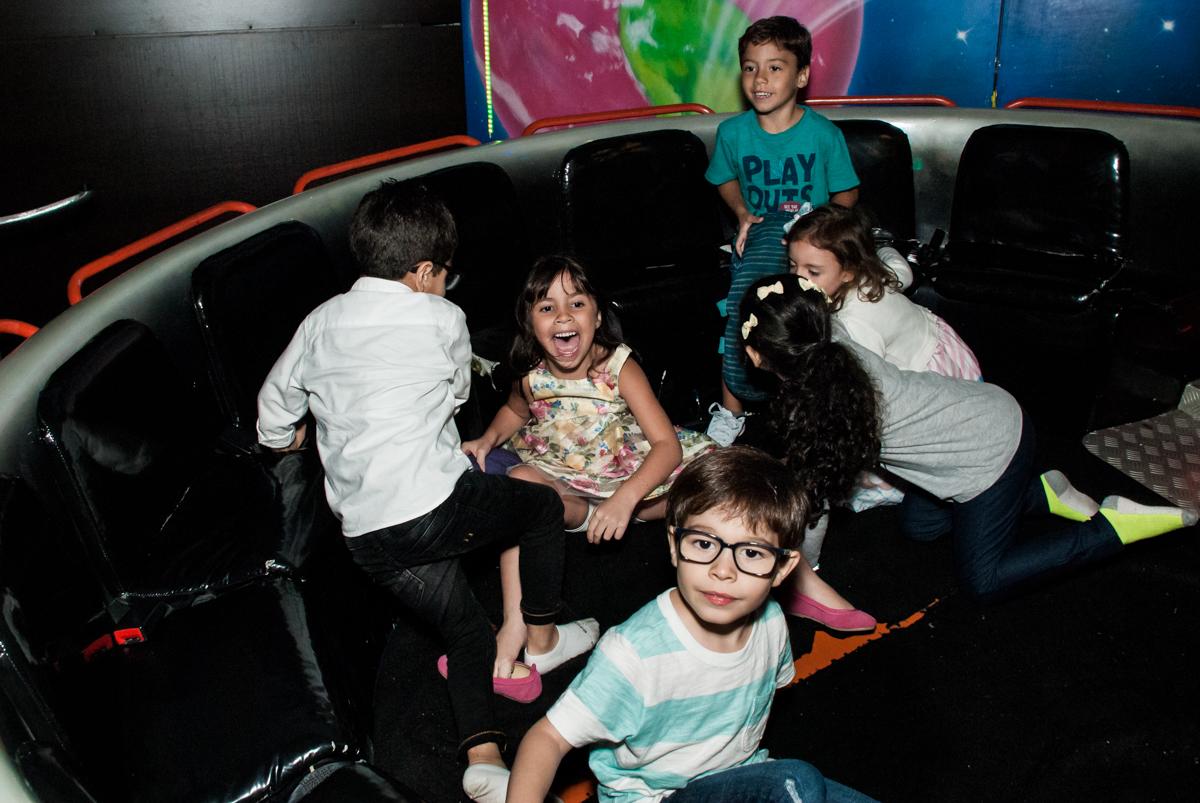 labamba divertido no Buffet Planeta Prime, São Paulo, aniversário de Malu 5 anos, tema da festa Miráculos