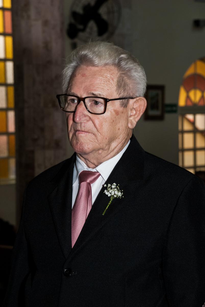 Ele diz sim novamente na cerimônia da Bodas de Ouro Maria Luiza e José Rodrigues, igreja Santa Ângela e São Serapio, Ipiranga