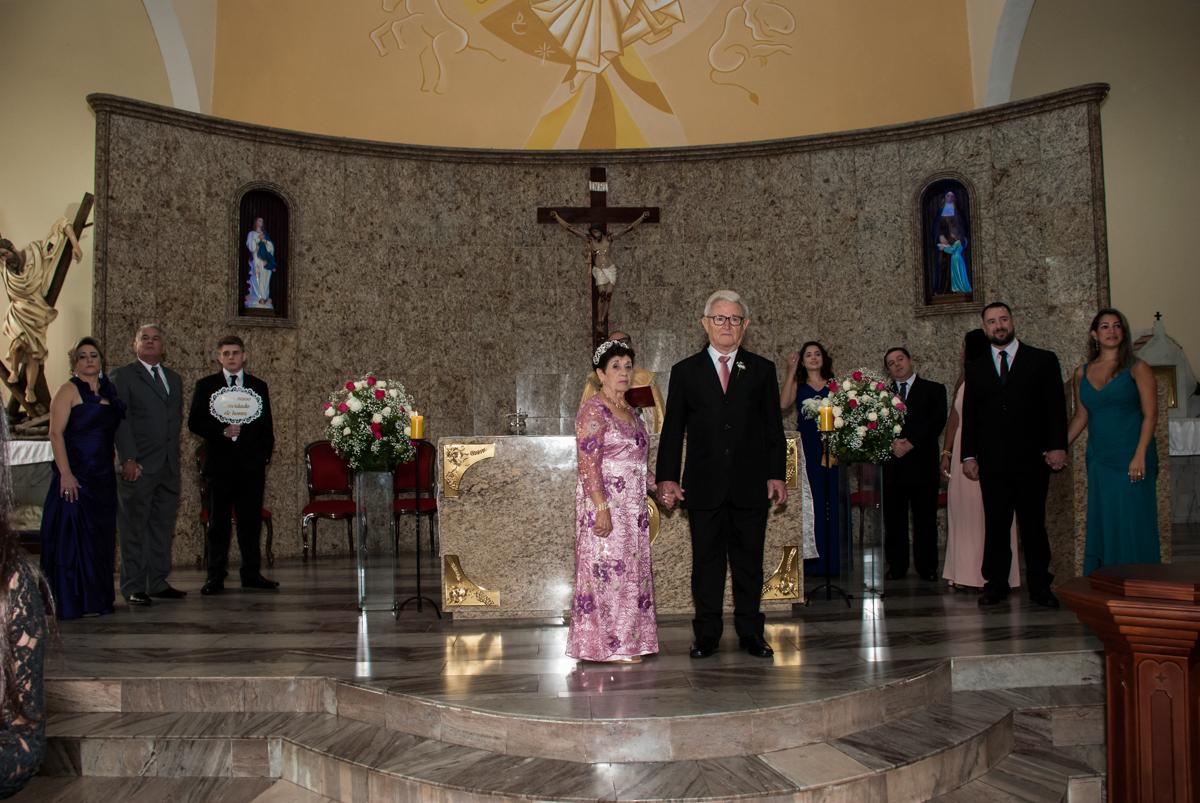 esperando a entrada das alianças na Bodas de Ouro Maria Luiza e José Rodrigues, igreja Santa Ângela e São Serapio, Ipiranga