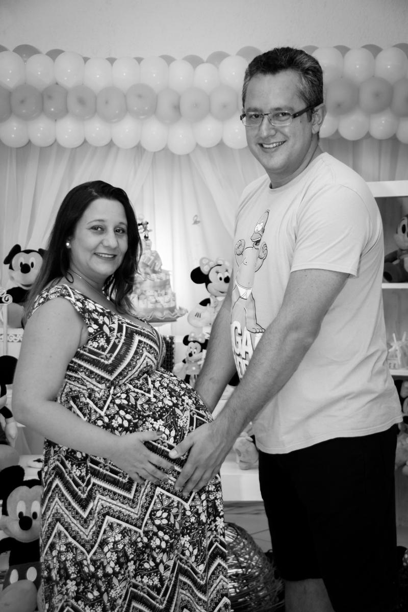 fotografia do casal no Buffet Fábrica da Alegria, cha de bebe de Andrea