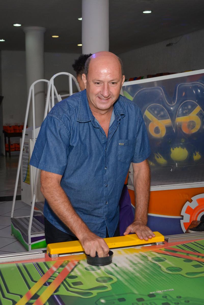 o adversário é o papai no Buffet Fábrica da Alegria Morumbi São Paulo, aniversário de Henrique 6 anos tema da festa Dragon Bol Z