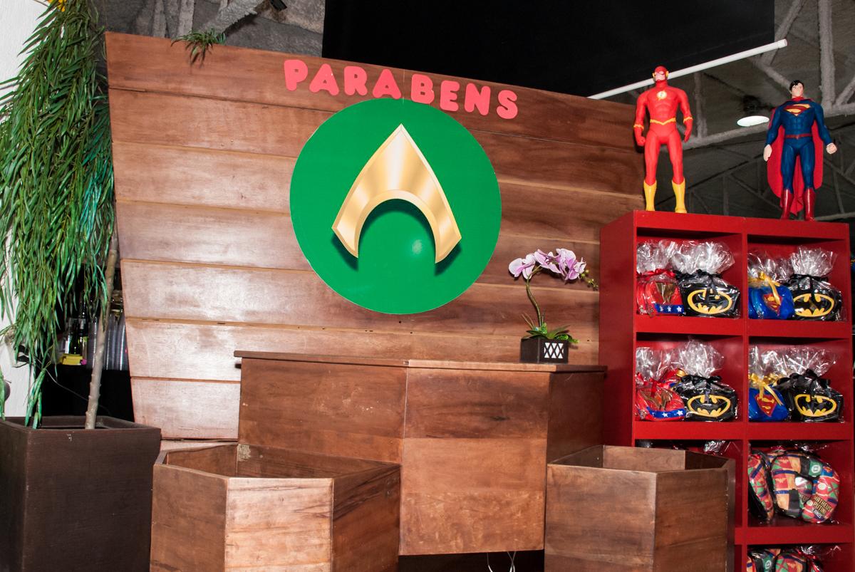 lembrança da festa para as crianças no Buffet Fábrica da Alegria, Osasco, São Paulo, aniversário de Matheus 9 anos tema da festa Super Heróis