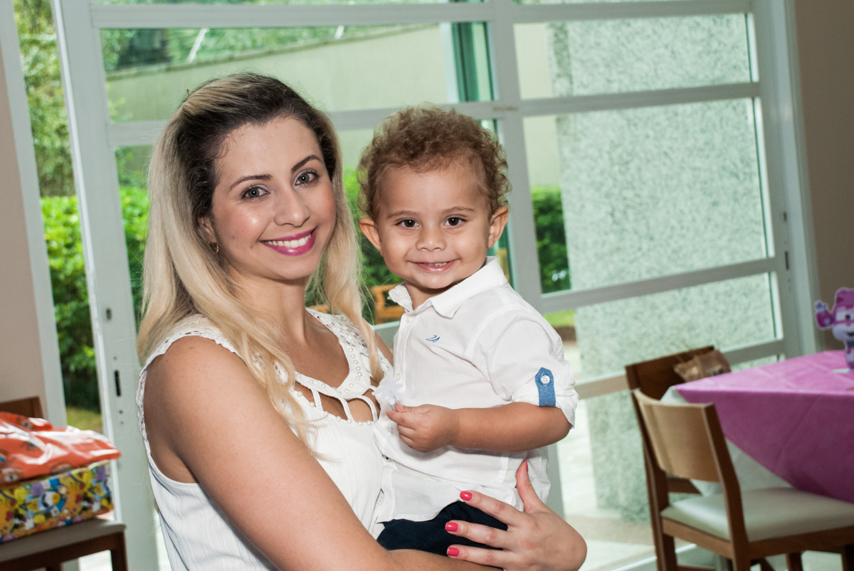 foto mãe e filho no Condominio, Morumbi, São Paulo, tema da festa super wings