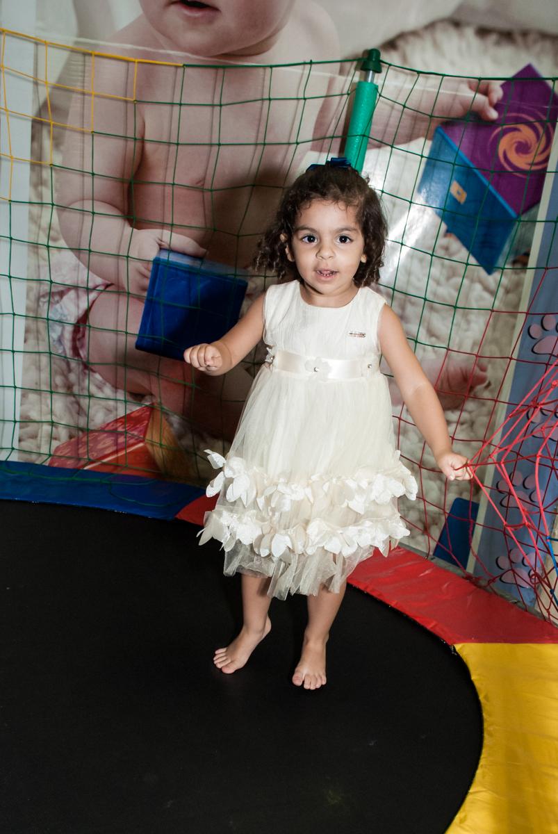 pula pula divertido no Buffet Planeta Kids, niversario Larissa 3 anos, tema da festa Branca de Neve