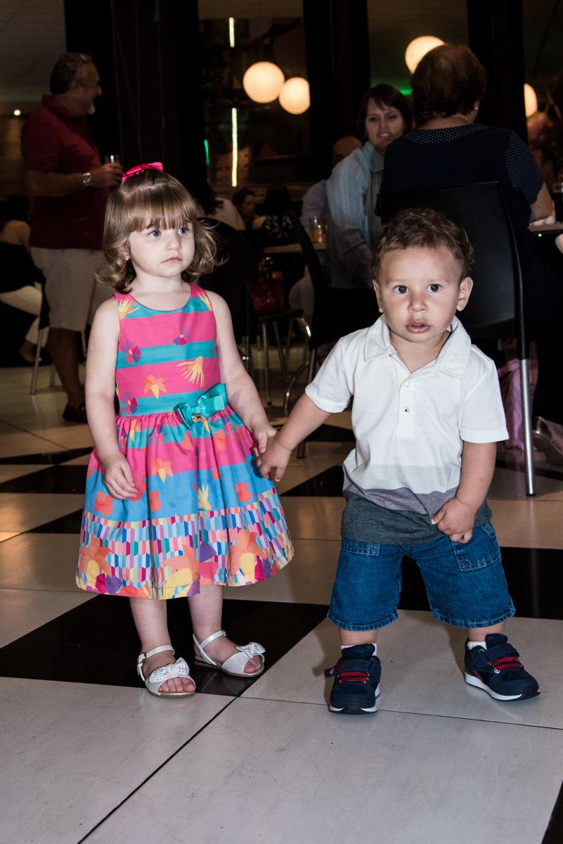 os amigos divertem na festa no Buffet Planeta Kids, Lapa, São Paulo, aniversario de Sarah 8 anos, tema da festa Unicórnio
