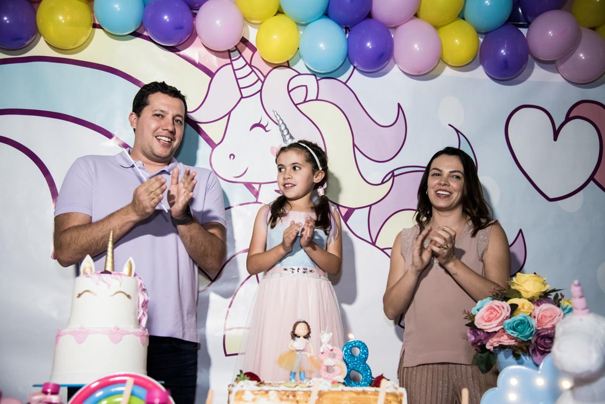 todos cantam parabéns no Buffet Planeta Kids, Lapa, São Paulo, aniversario de Sarah 8 anos, tema da festa Unicórnio