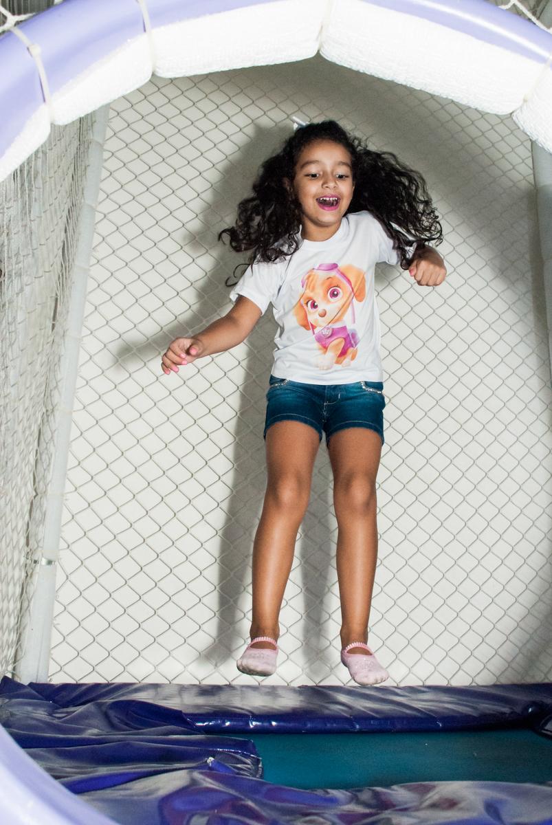 pula pula divertido no Buffet Mega Boom, Santana, São Paulo, aniversário Théo 4 anos tema da festa Patrulha Canina