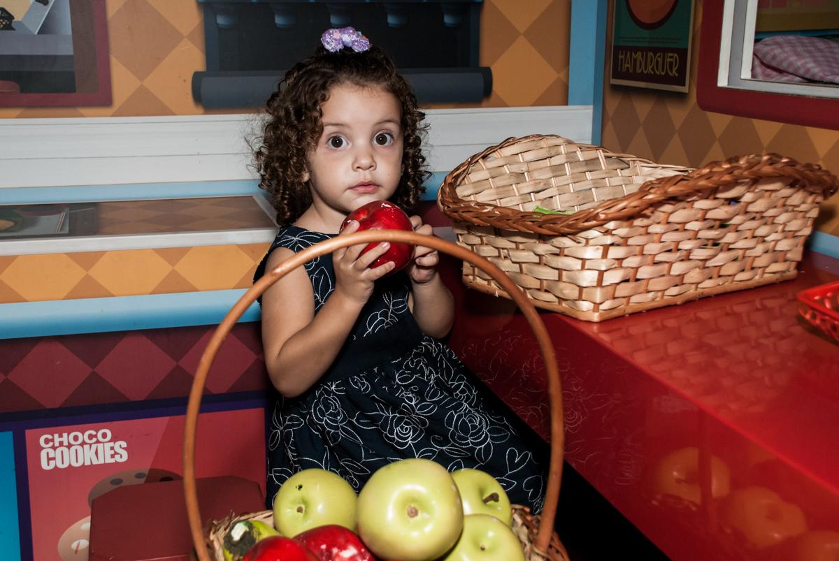 fazendo feira no mercadinho no Buffet Mega Boom, Santana, São Paulo, aniversário Théo 4 anos tema da festa Patrulha Canina