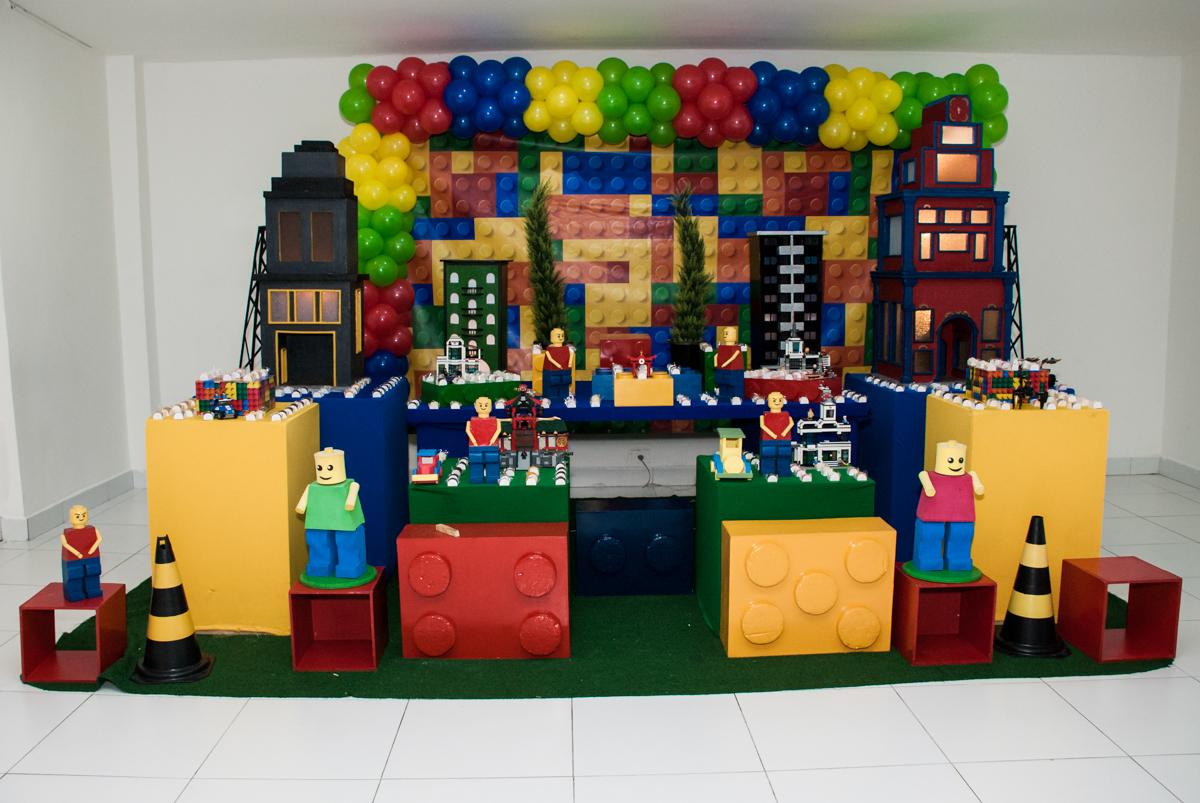 mesa temática no Buffet Boomerang, Cidade Jardim, São Paulo, aniversario de Lucas 6 anos, tema da festa, lego