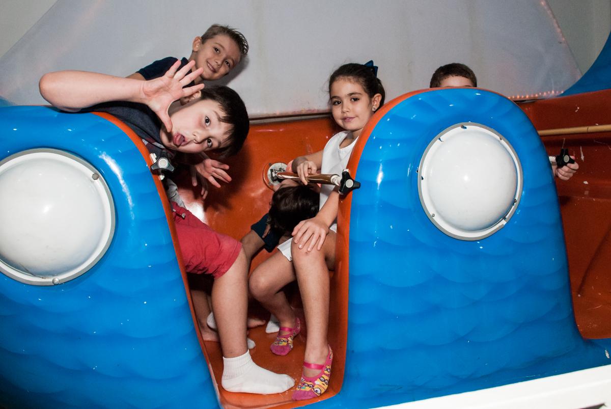 brincadeiras no barco vick no Buffet Boomerang, Cidade Jardim, São Paulo, aniversario de Lucas 6 anos, tema da festa, lego