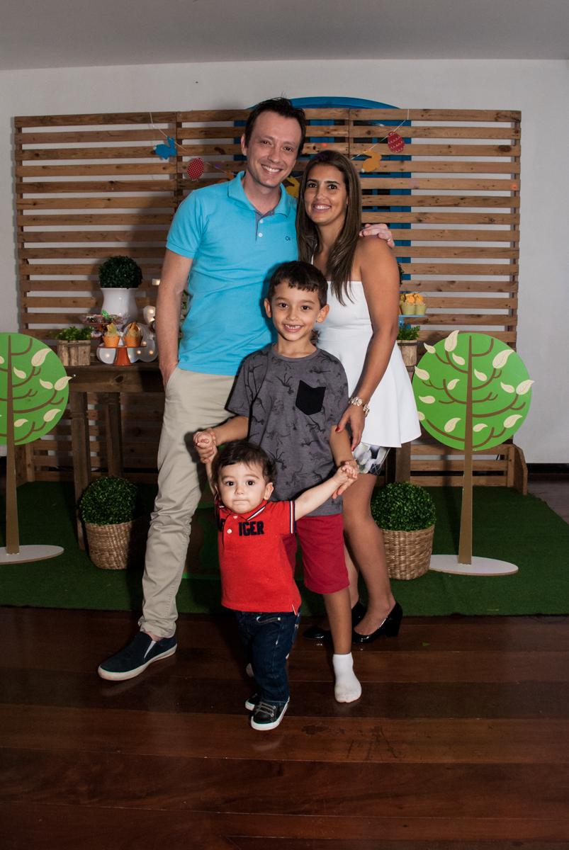 preparando para o parabéns no Buffet Grand Kid's, Cotia São Paulo, aniversário de Joseph 1 ano, tema da festa páscoa