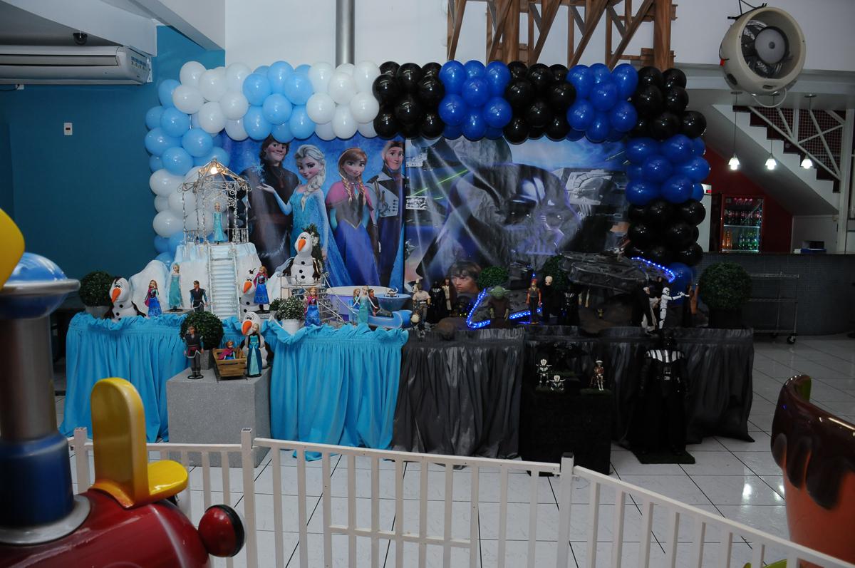 Mesa Frozen e Star Wars Buffet Zureta-Osasco
