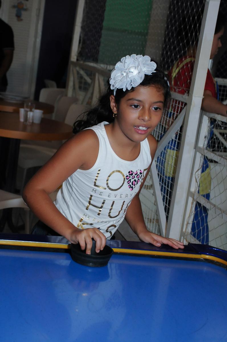 Jogo animado na festa do Gabriel e da Anna  Buffet Zureta-Osasco -SP