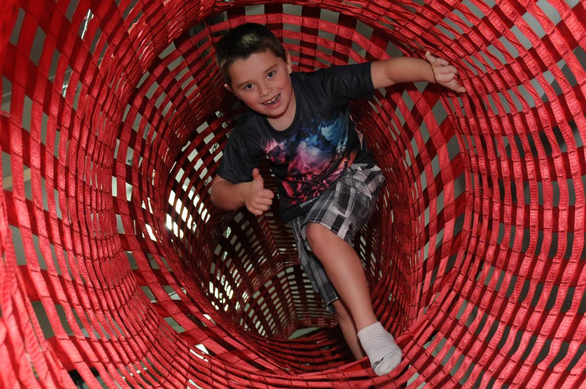 thiago no tunel do brinquedão no buffet espaço boo, Lapa, São Paulo