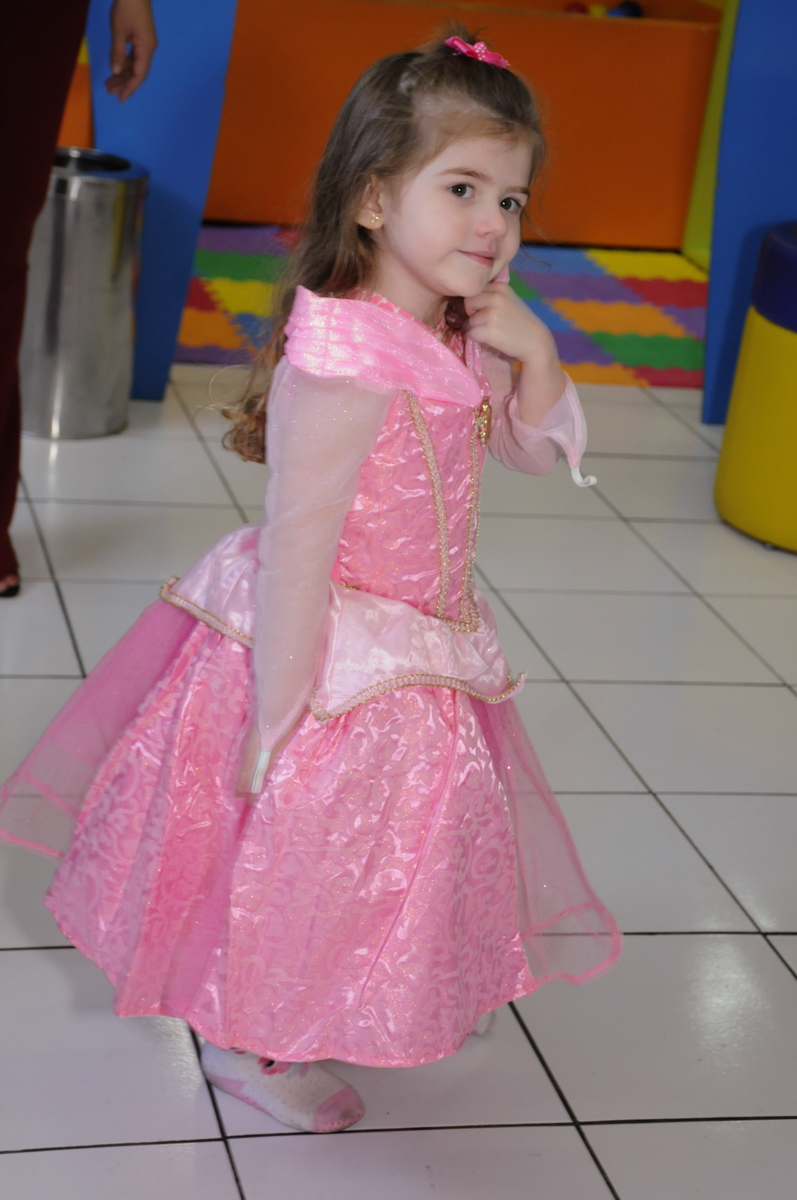 fantasia de princesa no Buffet Magic Joy - Moema, São Paulo