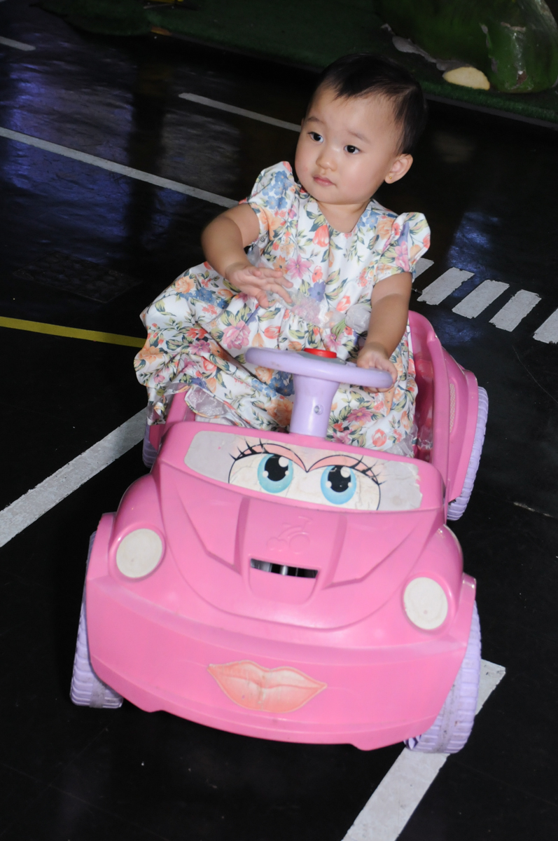 brincando na área baby no Buffet Infantil Anarquia Park, Moema, São Paulo, SP