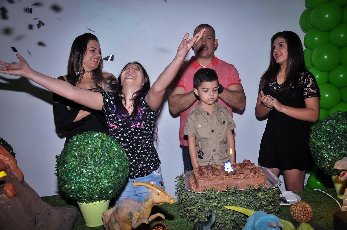 hora do parabéns no Buffet infantil Max Mania, Panambi