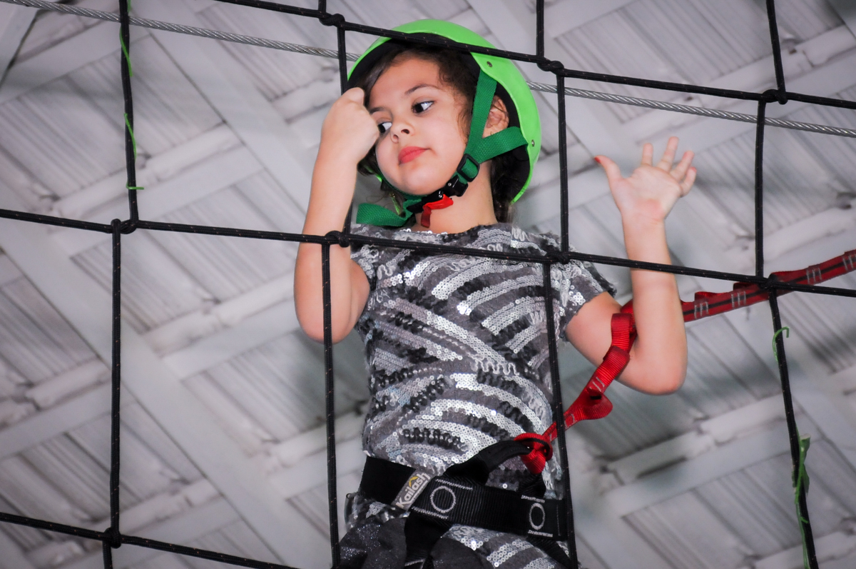 convidada no arvorismo no Buffet Infantil Ra Tim Boom, Saude, São Paulo