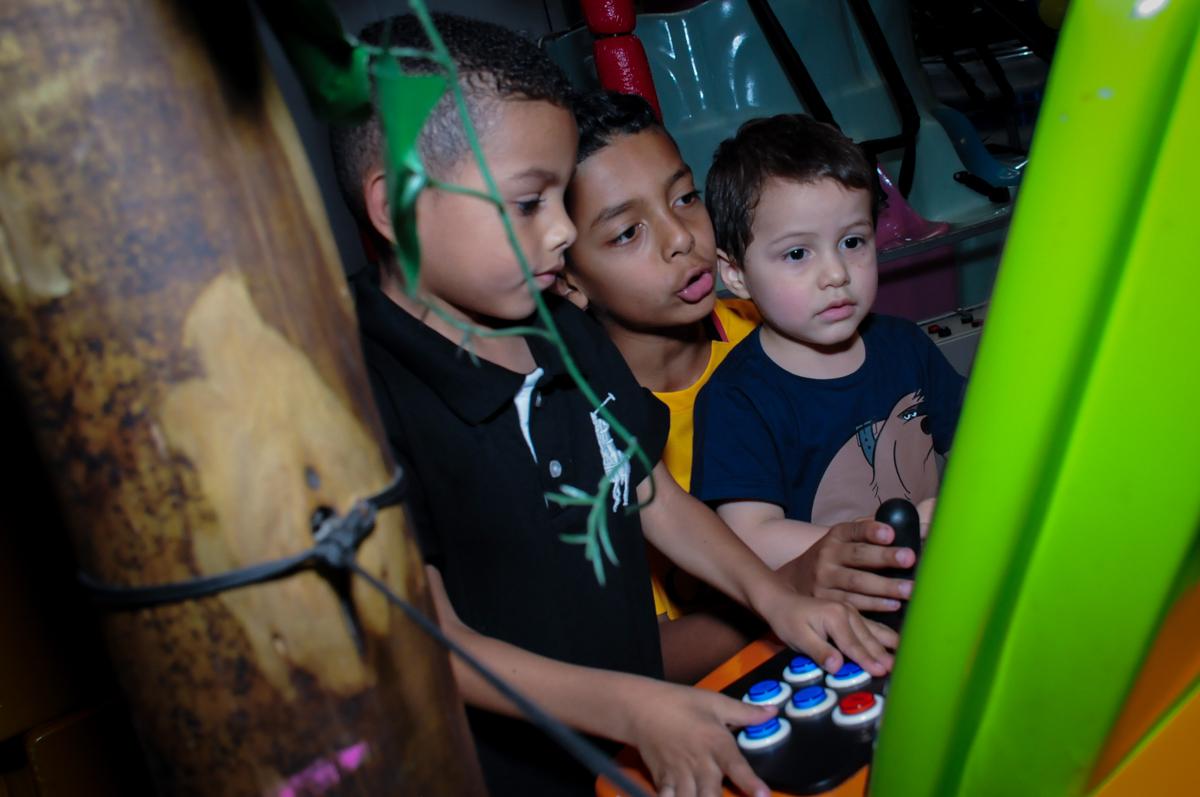 jogo animado dos convidados no Buffet Infantil Amazing, Alphaville, São Paulo