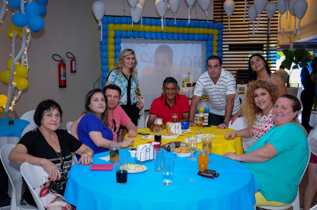 família e amigos na festa de aniversário no Buffet Infantil Amazing, Alphaville, São Paulo