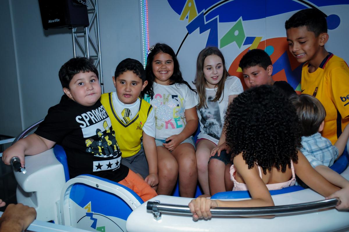 amigos se divetem no labamba no Buffet Infantil Amazing, Alphaville, São Paulo