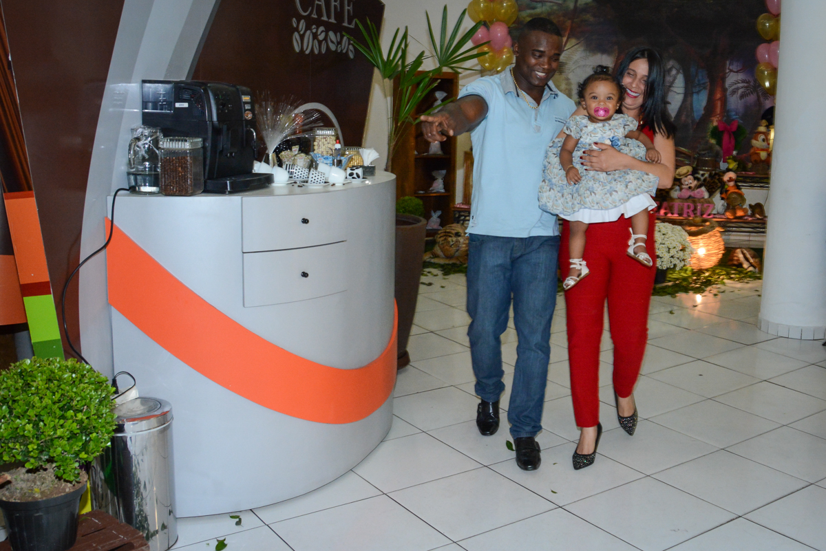 os pais chegando no buffet no Buffet Fábrica da Alegria Unidade Morumbi, São Paulo