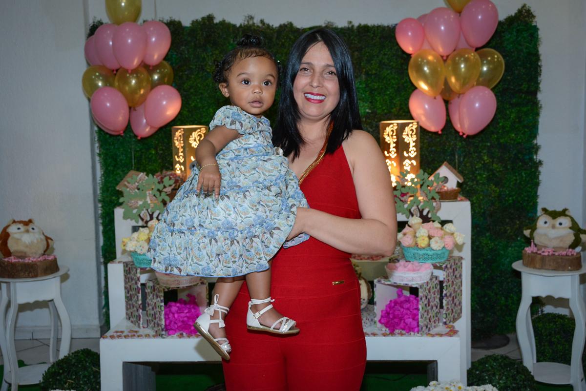 foto da anivesariante com a mãe no Buffet Fábrica da Alegria Unidade Morumbi, São Paulo