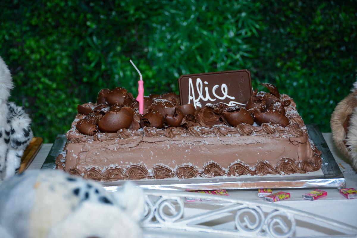 bolo de aniversário no Buffet Fábrica da Alegria Unidade Morumbi, São Paulo