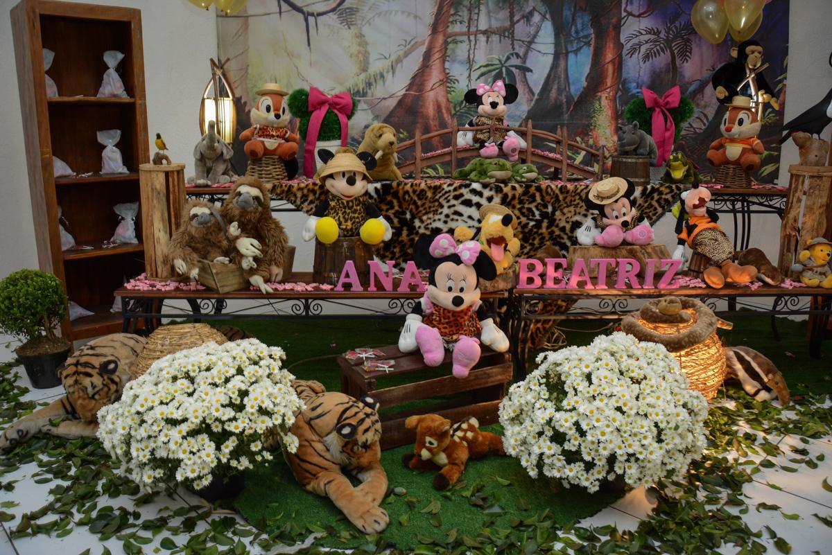 mais detalhe da mesa decorada do mickey safari no Buffet Fábrica da Alegria Unidade Morumbi,São Paulo