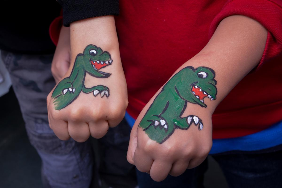 tatuagem do dinossauro no  no condomínio, São Paulo- SP